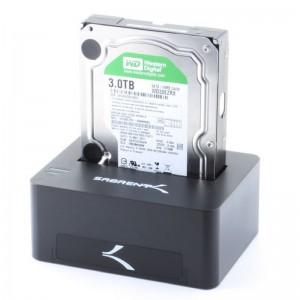 Un ejemplo de disco duro externo por acoplamiento a un dispositivo. De esta manera se puede fácilmente gestionar varios discos de forma externa.