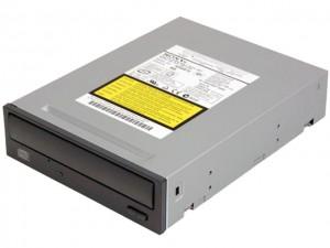 Un típico lector de discos.  Segun el laser que se le monte podría leer y grabar todos los formatos de disco del mercado.