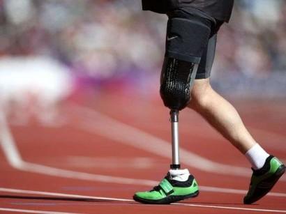 UNOS ZAPATOS DIFERENTES Protesis-pierna-410x307