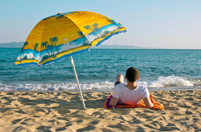 Definici n de sombrilla concepto en definici n abc - Sombrilla playa ...