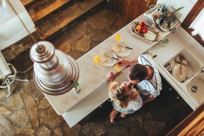 Galanteria-2-novios-cocina